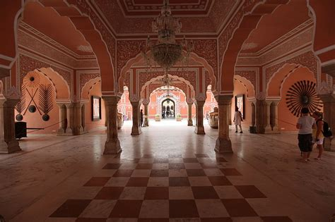 Hawa Mahal Historical Facts and Pictures | The History Hub