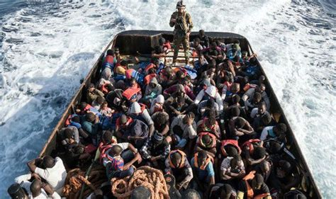 Migrant crisis - Germany and France pledge to take more